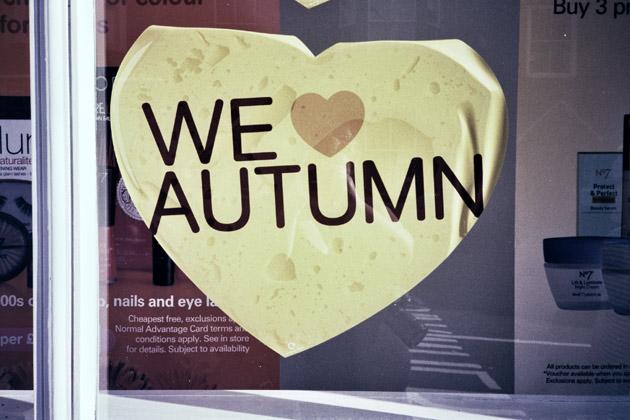 we love autumn - olympus xa2