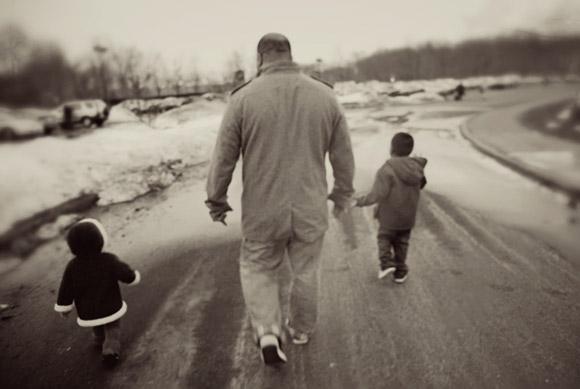 Dad and kids by Scarlett Hernandez