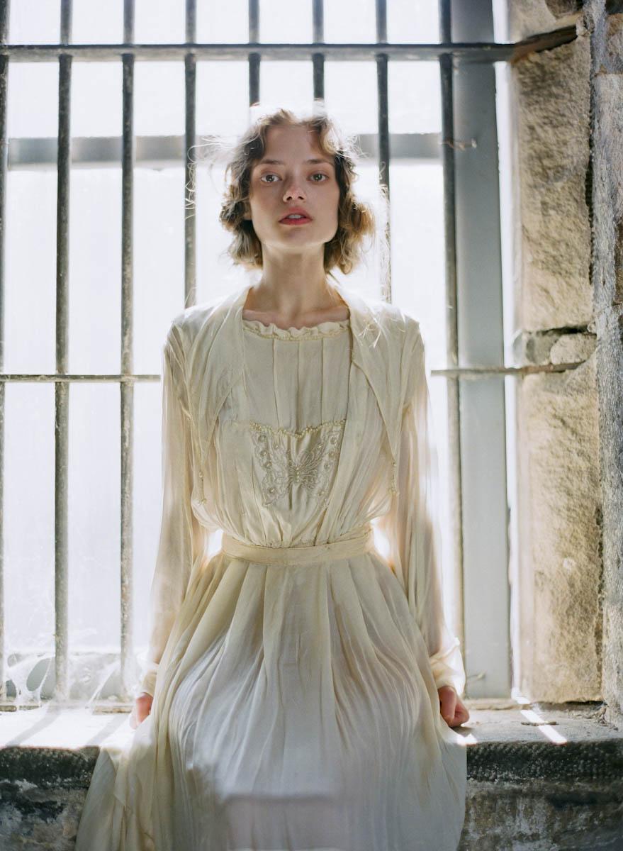 tanja lippert - ghostly prison bridal shoot